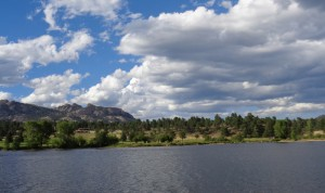 mountains-lake-clouds-thumbnail