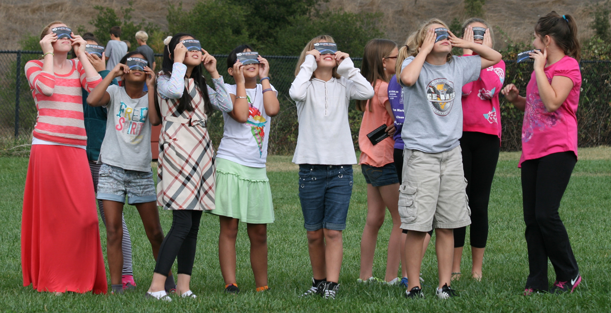 eclipse-glasses-pr-blog